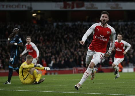 Giroud anotó uno de los dos goles de su equipo