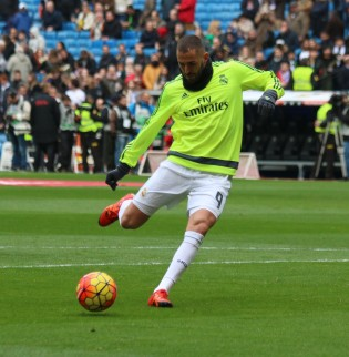 REAL MADRID SPORTING - BENZEMA (2)
